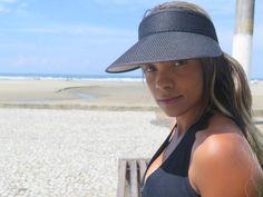 Gari faz ensaio fotográfico e cria página na web para realizar sonho 'Margarida do Asfalto' foi descoberta por fotógrafa e quer fazer biologia. Fotos sensuais de Ana Paula foram feitas com objetivo de pagar o curso