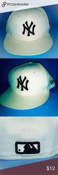 New Era 59 Fifty Cap New Era Cap White and black, 7 1/4; 57.7 in. Material cotton New Era Accessories Hats