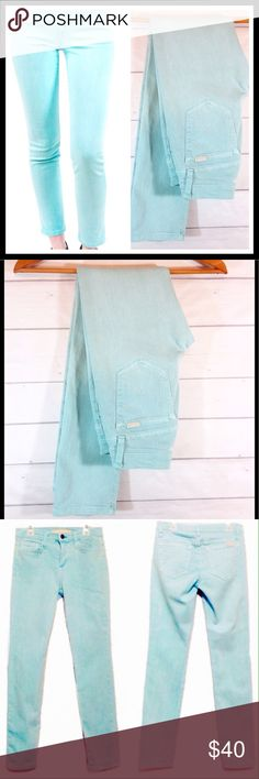 """Joe's Straight Ankle Aqua Blue Sz 25 EUC Excellent condition! EUC. Gorgeous color! Size 25 (Size 0) Waist 13"""" across flat. Inseam 28"""".  🔹Please ask all your questions before you purchase!  🔹Sorry, no trades or holds. 🔹Please use Offer Button! 🔹Bundle for your best prices! Joe's Jeans Jeans Straight Leg"""