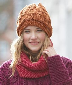 S8922 Loop and S8921 Hat - Free Pattern
