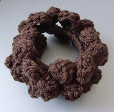 マカロンみたいなシュシュ♪の作り方|編み物|編み物・手芸・ソーイング | アトリエ|手芸レシピ16,000件!みんなで作る手芸やハンドメイド作品、雑貨の作り方ポータル