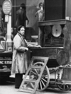 Barrel Organist 1964 • Shirley Baker