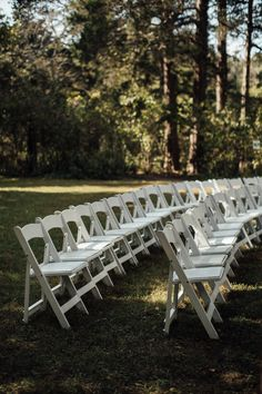 cassie-cook-photography-davis-home-at-strawberry-plains-wedding-venue-holly-springs-wedding-steating-chairs-ceremony-wedding-ceremony-setup
