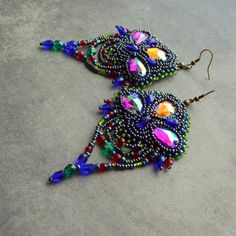 Bollywood earrings by Tamarchi - Bead embroidery http://www.sashe.sk/Tamarchi/detail/bollywood-earrings http://www.fler.cz/zbozi/bollywood-earrings-4761201 https://www.facebook.com/pages/Tamarchi/100188420078595#