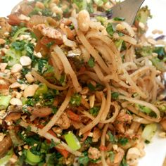 Don't you just love Pad Thai? Easy Lightened Up Pad Thai from Sugar Dish Me! One of my favorite dinners ever ever ever.