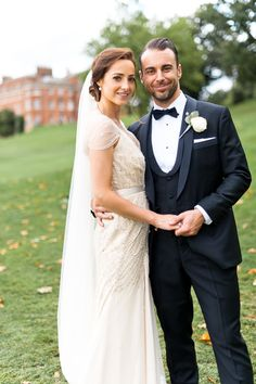 Lovely wedding photograph. Wedding gown: Jenny Packham.