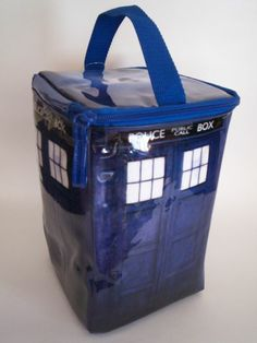 It's bigger on the inside: 'Doctor Who Tardis lunch bag' $15 #DoctorWho #BBCAmerica #fezzesarecool