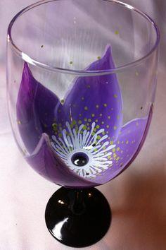 PURPLE FLOWER WINE GLASS – www.thepaintedflower