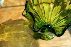 Green Ruffled Edge Art Glass Pedestal Bowl, Centerpiece, Compote, Fruit Bowl
