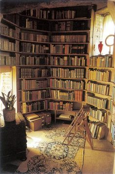 "Vita Sackville-West's Tower Library from ""Writers´ Houses"" -- Can you just imagine Virginia dreaming through this space? <3"
