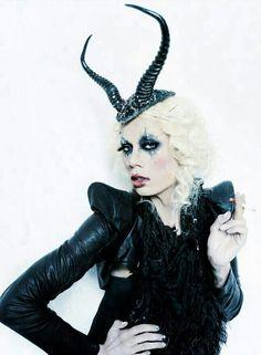 Raja Gemini: minimalist Maleficent