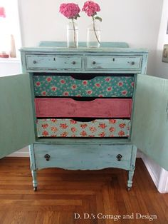 Not only is this a beautifully restored dresser by {DD's Cottage} But Check out those funky drawers! #PaintedFurniture #FurnitureWithASoul