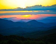 Sunset over the Smokey Mountains from Max Patch Bald - Western North Carolina. www.jennybowen.com