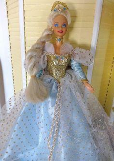 Vintage 1976 Fairy Tale Rapunzel Barbie Doll Blue dress with Gold bodice #Mattel