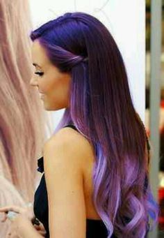 Dye your hair simple & easy to purple hair color - temporarily use purple hair dye to achieve brilliant results! DIY your hair purple with plum hair chalk Cabelo Ombre Hair, Hair Styles 2014, Hair Down Styles, Hair Styles For Prom, Hair Simple Styles, Ombre Hair Color, Purple Ombre, Blonde Ombre, Dark Purple