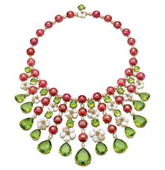 Italian Renaissance Gardens Have Inspired Bulgari's Latest High Jewelry Collection - High jewelry necklace in yellow gold and mother-of-pearl elements with 40 round rubellite beads - High Jewelry, Jewelry Necklaces, Diamond Necklaces, Statement Necklaces, Cartier Earrings, Bulgari Jewelry, Jewellery, Ideas Joyería, Peridot