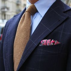 Brown Wool/Cashmere Tie and Hot Pink Pocket Square from Shibumi Berlin