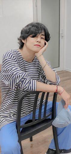 V Taehyung, Namjoon, Foto Bts, Daegu, Bts Boys, Bts Bangtan Boy, Jimin Jungkook, Kpop, Bts Tae