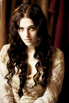 34/60 pictures of Morgana Pendragon