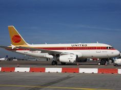 United Airlines A320 in Continental retro livery