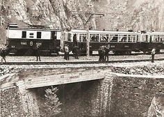 1965-ca-CATALUNA-ESPANA-Cremallera-de-NURIA-Treno-in-sosta-su-ponte-Foto