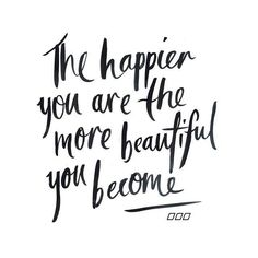 Short quotes on beauty of a girl - quotes of the day Beautiful Heart Quotes, Pretty Quotes, Girl Quotes, Me Quotes, Qoutes, Meaningful Quotes, Inspirational Quotes, Motivational Quotes, Action For Happiness