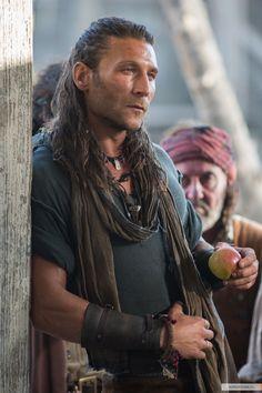 Charles Vane - Zach McGowan in Black Sails Season 1 (TV series).