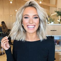 These Hair Trends Are Going To Be Huge In 2020 - Hair Beauty - hadido Medium Hair Styles, Curly Hair Styles, Natural Hair Styles, New Hair Trends, Brown Blonde Hair, Blonde Hair For Short Hair, Short Curled Hair, Long To Short Hair, Trending Haircuts