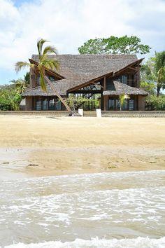 Courtesy of SCEG architects Architects: SCEG Location: Nosy Be, Madagascar Structures : ing. Monica Magnarini Area: 850.0 sqm Year: 2014 Photographs: