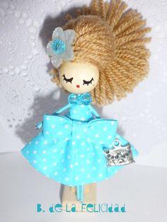 http://es.dawanda.com/product/45514018-Broche-de-muneca-Doll-brooch