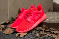 Nike WMNS Roshe Run Hyperfuse Red • RED wishes