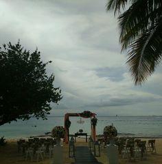 Beach set up 🌴🌴🌴#destinationwedding #wavesandsandsbeach #weddingcolors