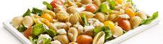 Salada fresca de búzios integrais, bacalhau e queijo fresco