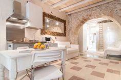 Dai un'occhiata a questo fantastico annuncio su Airbnb: Ortigia Casa Design 50 mt al mare - Appartamenti in affitto a Siracusa
