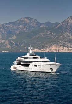 Best Yachts, Yacht For Sale, In 2015, Super Yachts, Concierge, Come And See, All Over The World, Palm Beach, Sailing