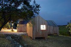 Pavilhão de madeira em vinícola na França  h2o architectes