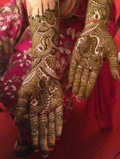 such beautiful bridal mehndi