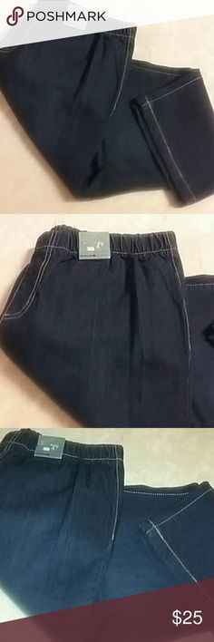 Nwt Avenue dark blue denim slim leggings Capri New Avenue slim stretch Capri denim. Stretch tab waist. Sz 16 only available. Thank you. Material 80% cotton 18% polyester 2%spandex. Avenue Jeans Ankle & Cropped