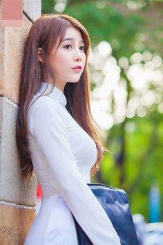 20 Interesting facts about beauty Pretty Asian, Beautiful Asian Women, Ao Dai, Vietnam Girl, Vietnamese Dress, Sexy Asian Girls, Ulzzang Girl, Traditional Dresses, Girl Pictures