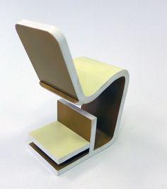 Stolička pre dospelého, na ležato lavička pre dieťa - koncepčná štúdia, plast