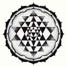 Nice Tattoos, Body Art Tattoos, Sri Yantra, Taoism, Black And Grey, Gray, Draw Something, Tantra, Chakra