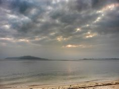 ( Morning Now at Hakata bay in Japan ) 24 Jun. 5:41 朝の光がわずかに漏れる博多湾です。
