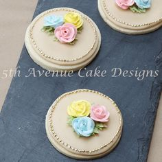 Dazzle your clients with an array of royal icing flowers. Join Bobbie in learning royal icing blossoms, rose, peonies, and ranunculi