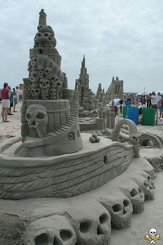 Front - Doubles Silver Medal sand sculpture by Amazin' Walter and Christy McDonald