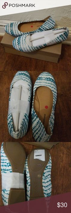 NIB Lucky Brand tie dyed flats 10 Brand new and on one in Box .Flats. Lucky Brand Shoes Flats & Loafers