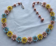 VINTAGE-LISNER-SIGNED-PINK-YELLOW-BLUE-ENAMELED-FLOWER-RHINESTONE-NECKLACE