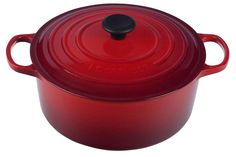 Le Creuset Signature Enameled Cast Iron 7 - 1/4 Quart Round French/Dutch Oven (Cherry Red)
