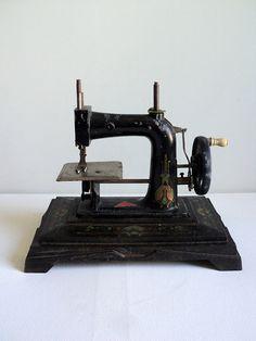 Antique French Sewing Machine, Miniature Sewing Machine Toy, Collectible Toy, Art Deco Machine, Victorian Sewing Machine, Baby JC Unis RW JP