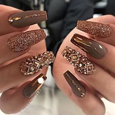 Elegant Rhinestones Coffin Nails Designs We have collected 130 + elegant Rhinestones coffin nails for you. Enjoy these beautiful nail art and welcome your Inspiration erupted! Glam Nails, Beauty Nails, Cute Nails, Pretty Nails, My Nails, Classy Nails, Ongles Bling Bling, Bling Nails, Bling Nail Art