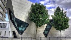 Modern architecture, London Metropolitan University Camus.  Studer i London med KILROY:  http://education.kilroy.no/universiteter/england/london-metropolitan-university